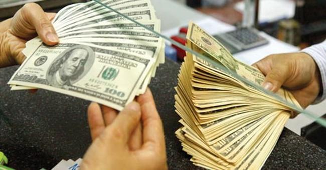 Giá USD ngân hàng đột ngột giảm mạnh, thấp nhất trong hơn 2 tháng qua