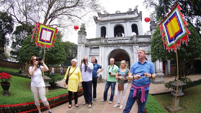 Khách quốc tế đến Việt Nam bật tăng trở lại, du lịch hy vọng khởi sắc