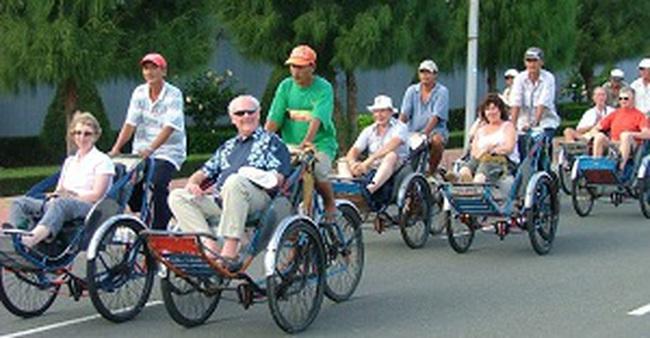 Tháng 7: Khách quốc tế đến Việt Nam tăng mạnh