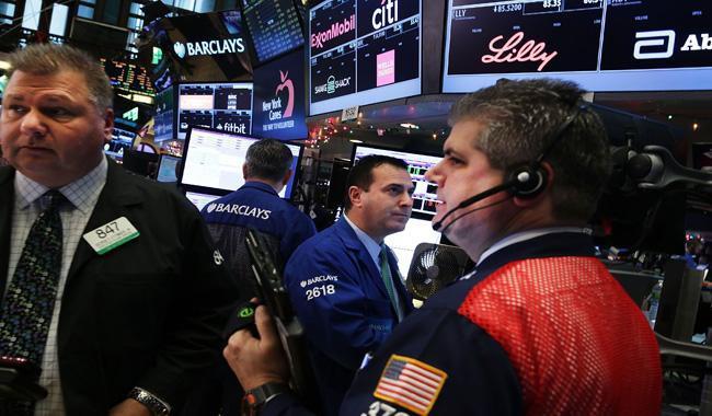 Cùng chiều giá dầu, chứng khoán Mỹ giảm mạnh nhất 2 tuần