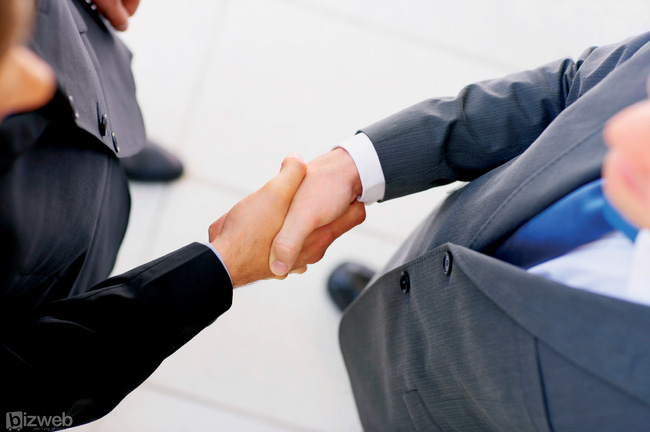 """""""Cái bắt tay"""" này sẽ làm thay đổi cục diện thị trường thép Miền Bắc?"""