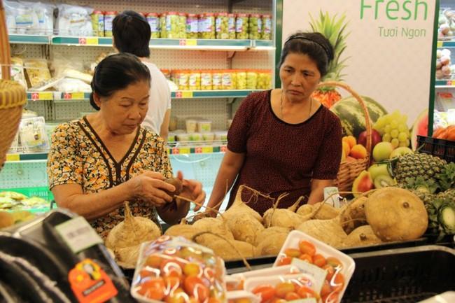 Chủ tịch Hiệp hội Siêu thị Hà Nội: Người tiêu dùng đã nghèo lại thường xuyên bị móc túi