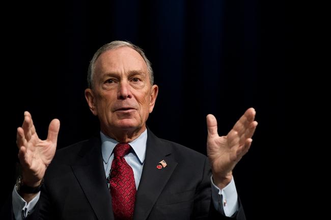 Tỷ phú Bloomberg nói Trump là kẻ lừa đảo