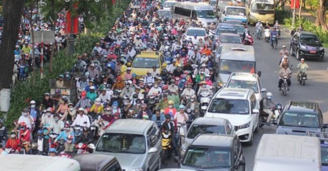 Ùn tắc giao thông kinh hoàng ở cửa ngõ TP. HCM