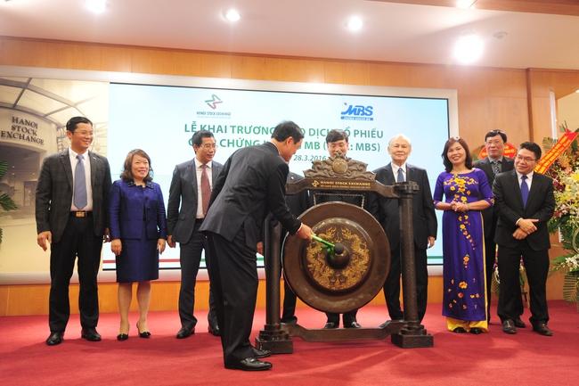 Chứng khoán MBS chính thức niêm yết cổ phiếu trên HNX