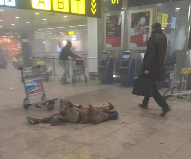 """Nhân chứng trong vụ nổ bom tại sân bay Bỉ: """"Giống như ngày tận thế"""""""