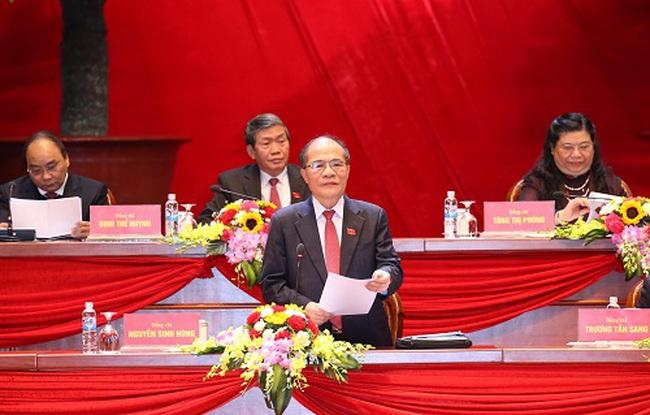 Đại hội Đảng XII thảo luận các văn kiện tại Hội trường
