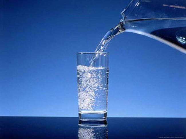Uống nước đun sôi tăng nguy cơ ung thư