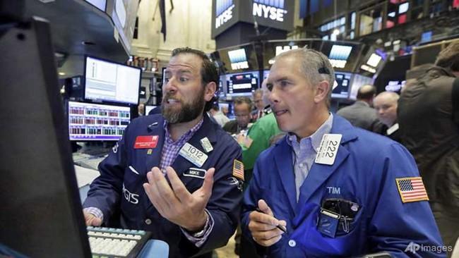 Chứng khoán Mỹ tăng điểm, trái phiếu, vàng hấp dẫn trở lại sau kết quả thất vọng về nền kinh tế Mỹ