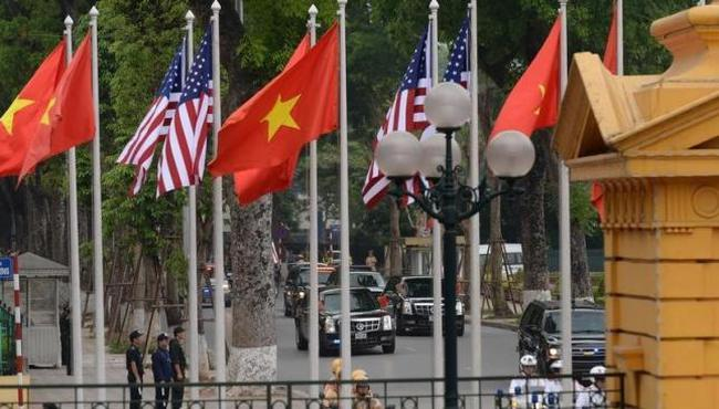 Mỹ dỡ bỏ lệnh cấm vận vũ khí với Việt Nam, Trung Quốc nói gì?