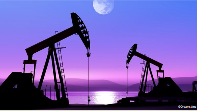 Đừng đổ lỗi cho giá dầu!