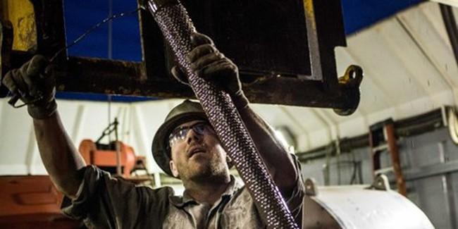 Giá dầu chốt tháng 5 tăng hơn 7%