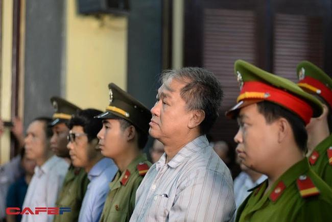 Toàn cảnh phiên tòa 22/7: Nhóm Trần Ngọc Bích là khách VIP nên được ưu tiên lãi suất, nợ chứng từ