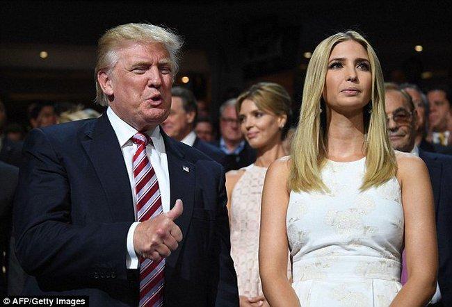 Con gái Trump quyên tiền ủng hộ bà Clinton?