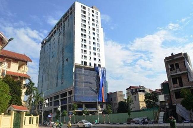 Bao giờ phá dỡ xong toàn bộ tầng 19 nhà 8B Lê Trực?