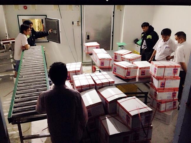 Lại phát hiện hàng trăm kg tôm tạp chất tại Cty Quốc Ái