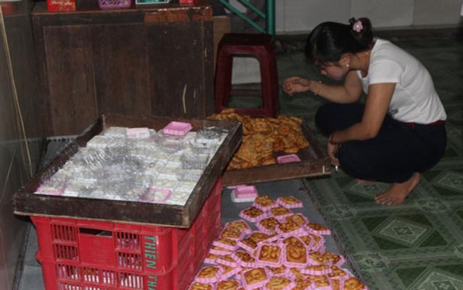 Biết bánh trung thu không đạt chất lượng vẫn sản xuất