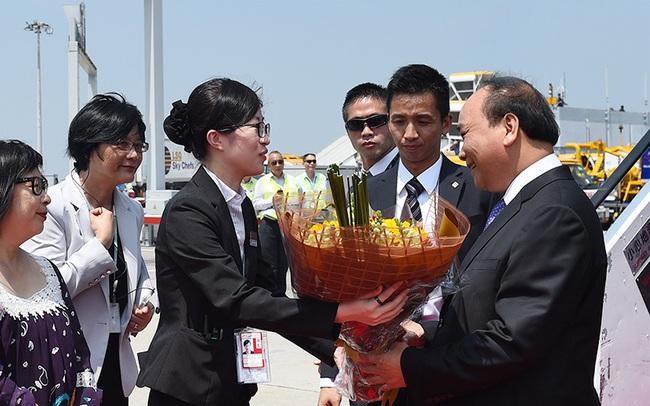 Thủ tướng bắt đầu thăm Hongkong