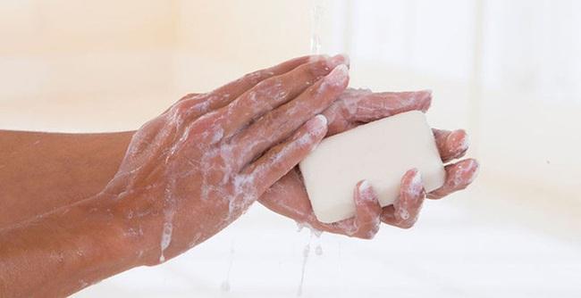 Mỹ chính thức phát lệnh cấm xà phòng diệt khuẩn vì không hiệu quả và an toàn bằng xà phòng thường