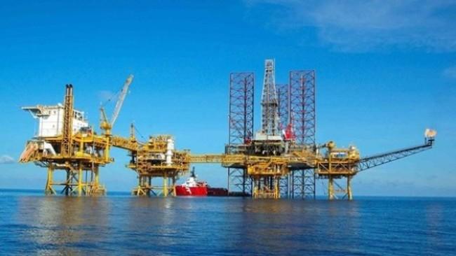 Tình hình tài chính của PVN sẽ ra sao khi giá dầu xuống mức 30 USD/thùng?