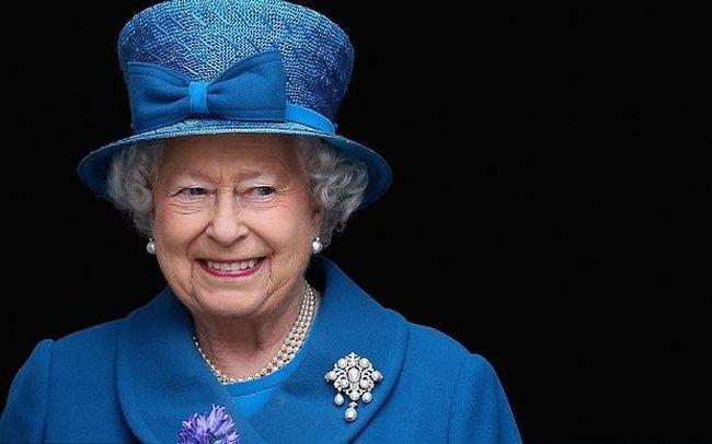 Nữ hoàng Anh có bao nhiêu tiền?