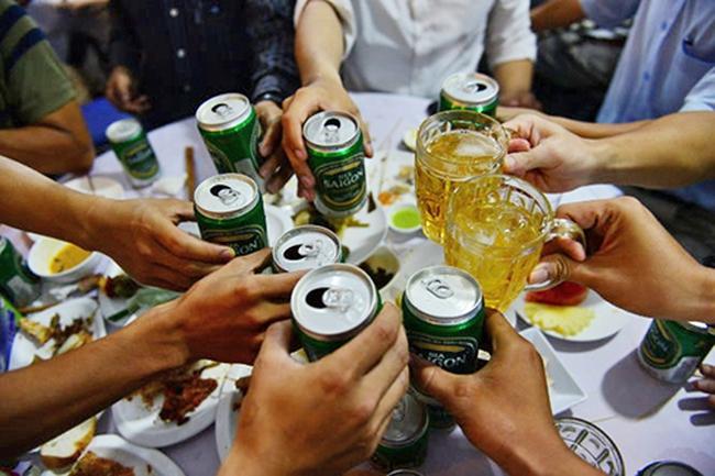 """Người Việt uống bia rượu vào Top của thế giới, quy hoạch chạy """"mướt mồ hôi"""""""