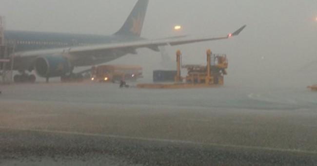 Sân bay Tân Sơn Nhất hoàn thành bảo trì đường băng