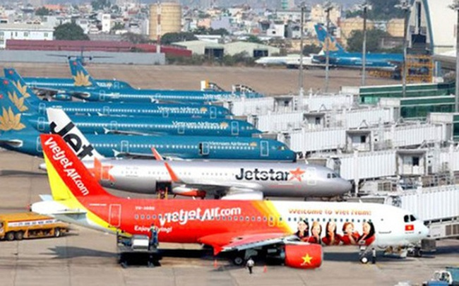 """Quá tải chưa từng có, Chủ tịch Vietnam Airlines phải """"lượn"""" trên trời"""