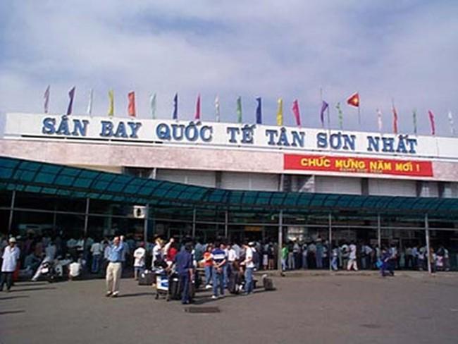 TPHCM: Hàng chục chuyến bay bị hoãn