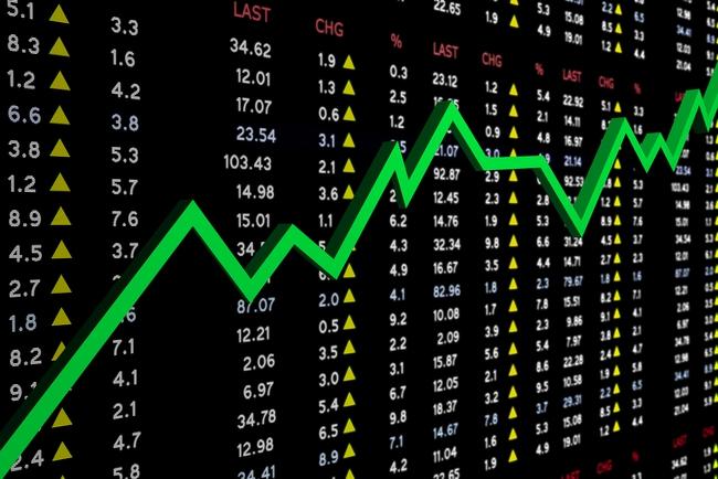 Nhà đầu tư từ bỏ hy vọng lãi suất tăng, S&P 500 chạm đỉnh