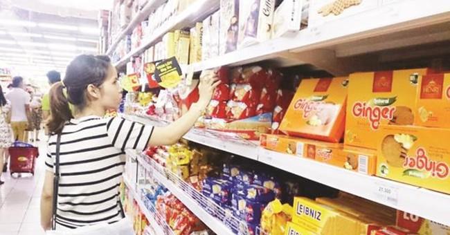 Đường vào siêu thị khó khăn, các doanh nghiệp tính đánh mạnh kênh truyền thống