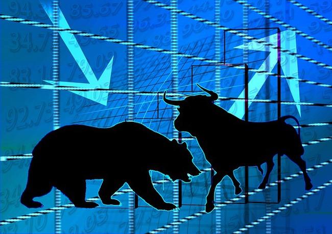 """Cổ phiếu trụ cứu nguy cho VN-Index, nổi bật """"2 mẹ con"""" HAG và HNG"""