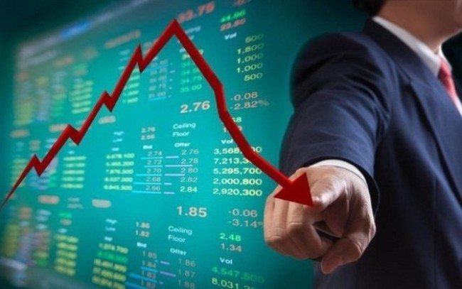 """Khối ngoại bán ròng phiên thứ 7 liên tiếp, VnIndex """"thất thủ"""" ngưỡng hỗ trợ 660 điểm"""