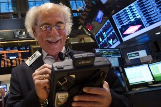 S&P 500 chạm đỉnh 5 lần trong 6 ngày liên tiếp