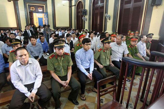 Toàn cảnh phiên tòa ngày 19/7 xử Đại án ở Ngân hàng Xây Dựng: 36 bị cáo, 156 người liên quan, 45 luật sư