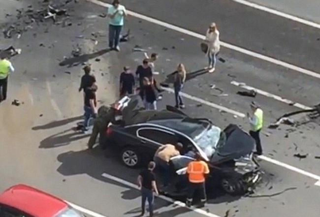 Siêu xe của Tổng thống Putin gặp tai nạn, tài xế tử vong