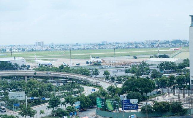 Sét đánh hỏng 1 đường cất hạ cánh tại sân bay Tân Sơn Nhất