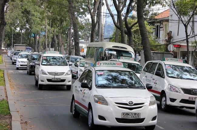 Đề nghị thí điểm 100 xe taxi chạy bằng điện trên địa bàn TPHCM