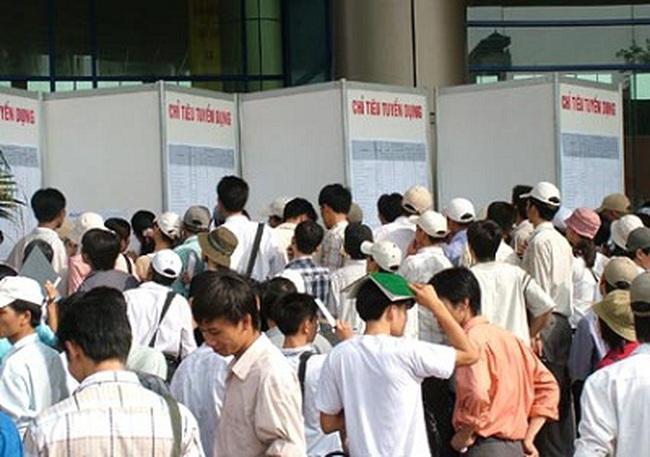 Tổng cục Thống kê: Cứ 10 thanh niên, 1 người thất nghiệp
