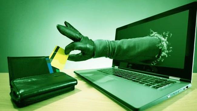 Mất tiền oan khi cà thẻ: khiếu nại ở đâu?