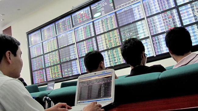 Cổ phiếu dầu khí ồ ạt tăng trần, VnIndex kết tuần tăng gần 6 điểm