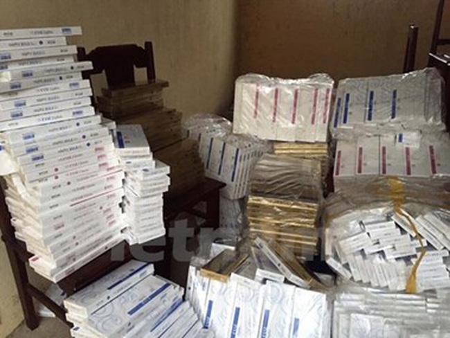 Bắt giữ hai vụ nhập lậu nguyên liệu thuốc lá số lượng lớn