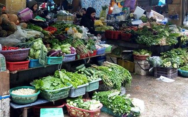 Hà Nội: Rét đậm kéo dài khiến rau xanh tăng giá đột biến