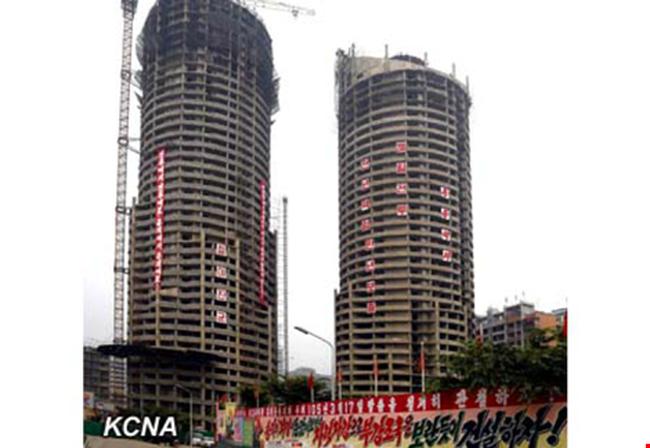 Triều Tiên xây tòa nhà 70 tầng chỉ trong 74 ngày