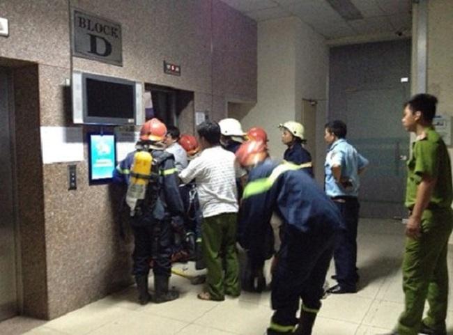 Vụ 16 người kẹt trong thang máy: Ai chịu trách nhiệm?