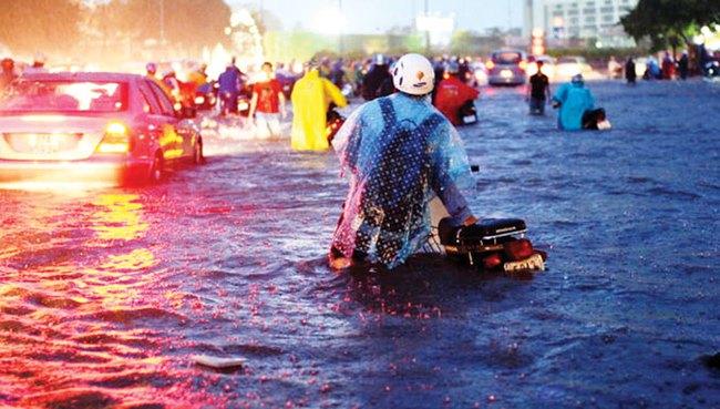 Đề xuất ngàn tỷ mua xe bơm chống ngập: Đột phá hay tiền thả trôi sông?