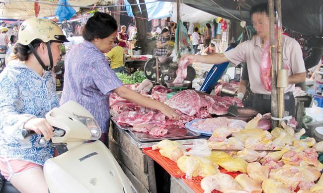 Lạm dụng kháng sinh trong chăn nuôi: Nguy cơ gây nhờn thuốc, vô sinh