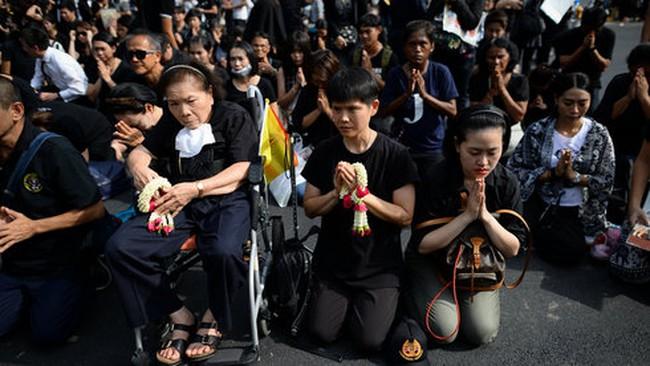 Du lịch Thái Lan thời quốc tang
