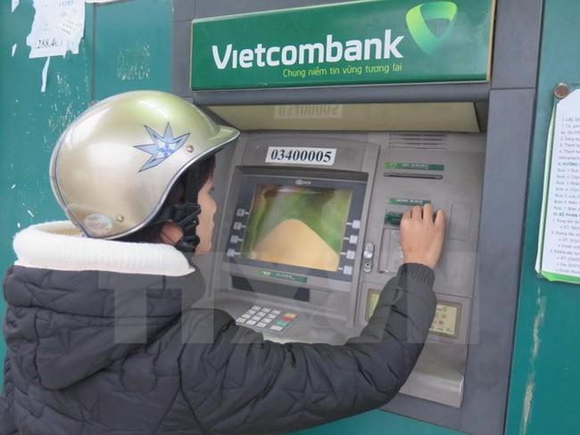 NHNN dự kiến tăng hạn mức rút tiền tại máy ATM