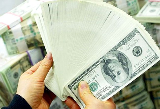 Giá USD ngân hàng lao dốc mạnh, thiết lập đáy 3 tháng